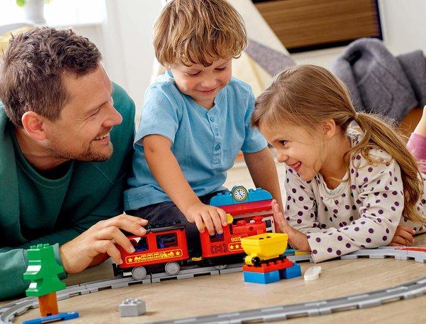 LEGO'dan çocuğunuza yaşına uygun hediye seçenekleri