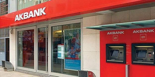Akbank'ta sistem çöktü! Müşteriler alışveriş yapamıyor ve para çekemiyor