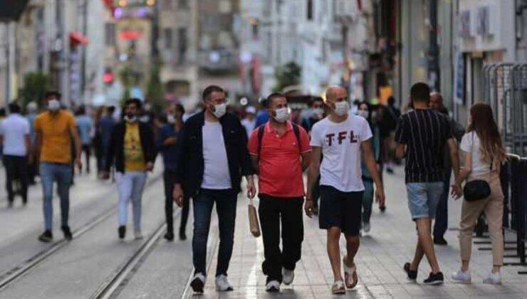İstanbul'da kısıtlamasız ilk pazar gününde sahiller doldu